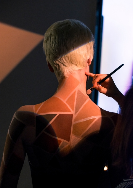 making of backstage sculpting photographe RANKIN
