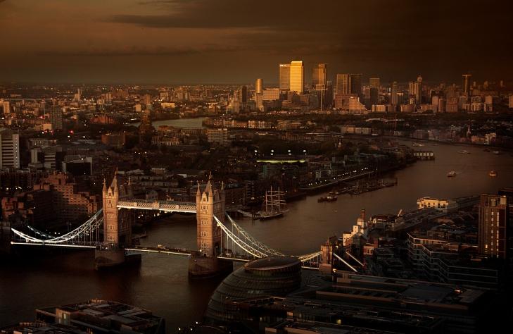 MY_BURBERRY_BLACK_LONDON_RGB_CROPPED_01