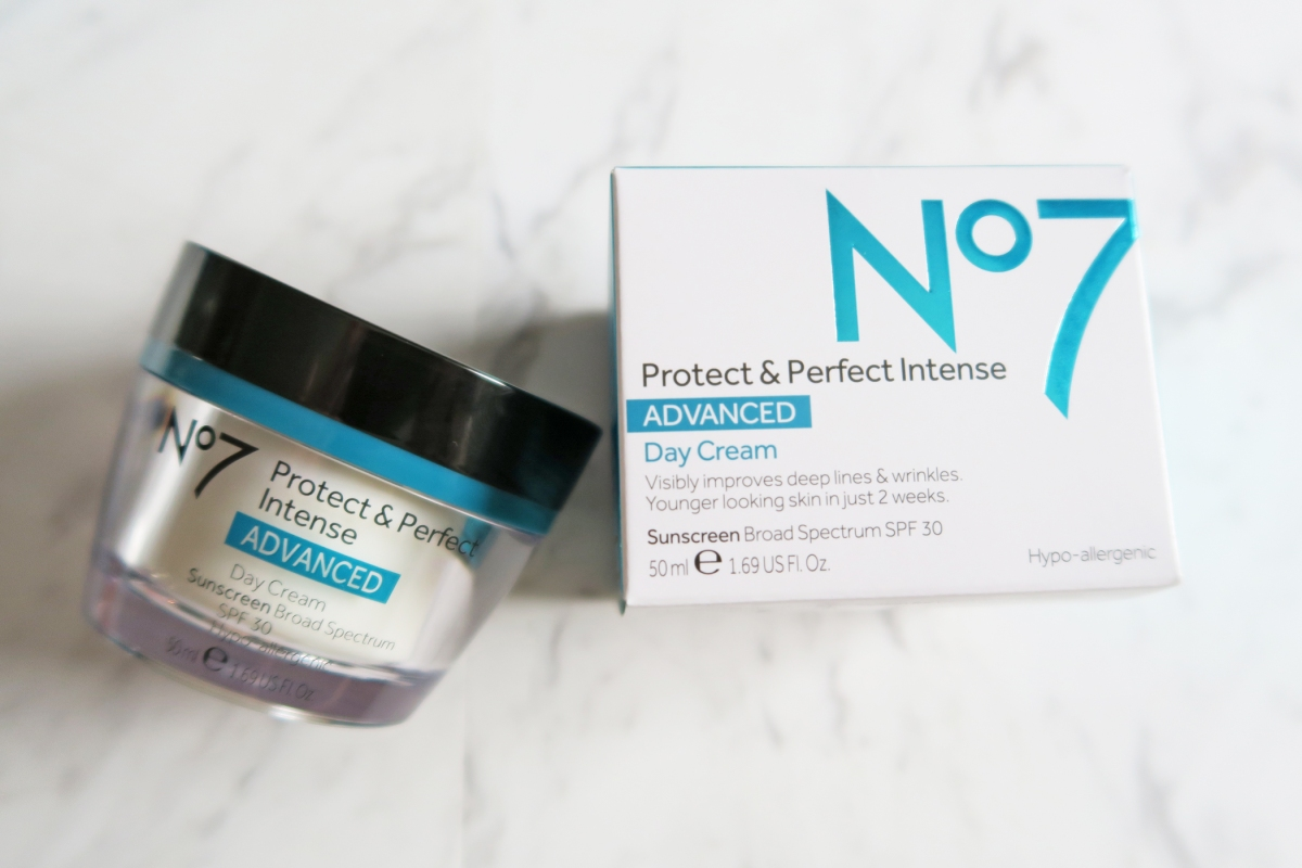 No. 7 Protect & Perfect Intense Skincare Advanced REVIEW